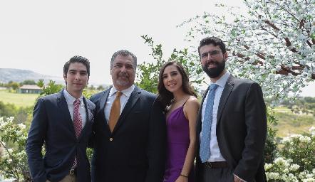 Roberto, José, María y José Reyes.