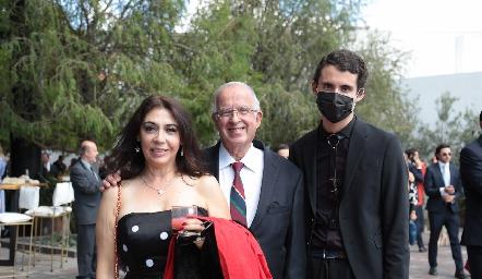 Malilia de Romo, Raúl Romo y Esteban Romo.