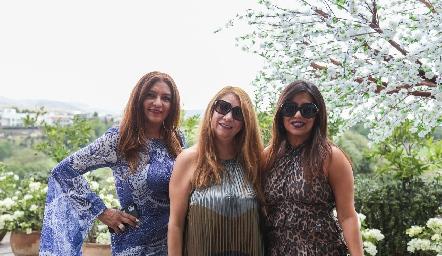 Flor Zarza, Gaby Colman y Paola Grimes.