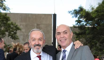 Javier Álvarez y Caly Hinojosa.