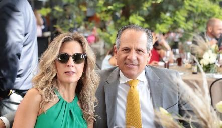 Verónica Berrón y Ramón Gómez.
