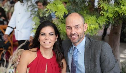 Mari Tere García y José Antonio González.