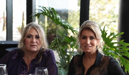 Carla Serna y Oly de Abud.