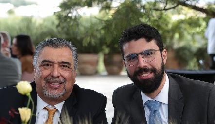 José y José Reyes.