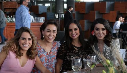 Paulina Aguirre, Midori Barral, Claudia Villasana, y Adri de la Maza.