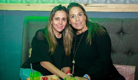 Bibi Perea y Michelle Zarur.