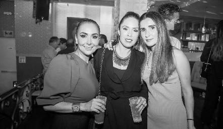 Flor Hernández, Mónica Barraza y Lourdes Orozco.