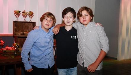Mauricio, Santiago y Juan Pablo.