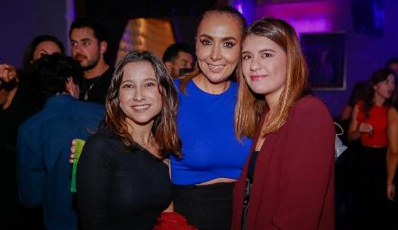 Paola Martínez, Flor Hernández y Regina Martínez.