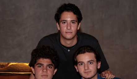 César Morales, Roberto Silva y Patricio Saquis.