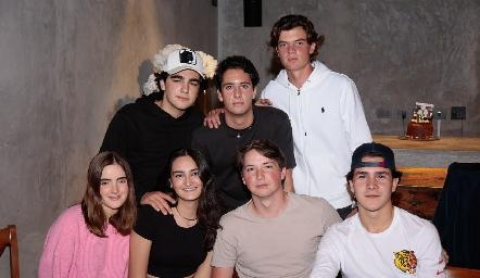 Alejandro Cambeses, Roberto Silva, Juan Carlos Hernández, Lorena de la Garza, Lorenza Gárate, Manuel Toledo y Mauricio Buendía.