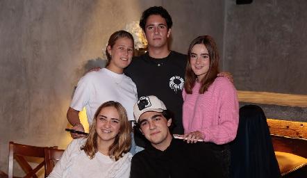 Isabela Galván, Roberto Silva, Lorena de la Garza, Lorenza Hinojosa y Alejandro Cambeses.