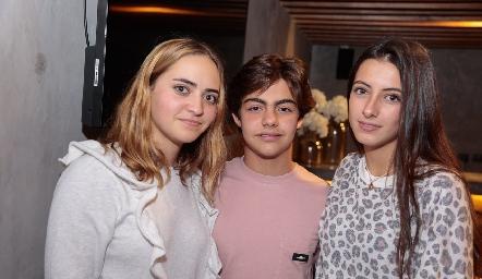 Lorenza Hinojosa, Manuel Díaz Infante y Marina Nieto.