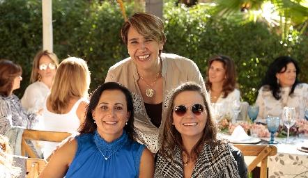 Susana Salgado, Adriana Valle y Claudette Mahbub.
