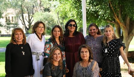 Cynthia con su familia.