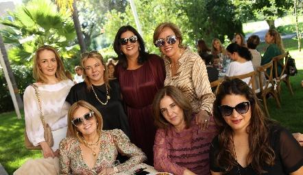 Claudia Carpizo, Marcela Navarro, Cynthia Sánchez, Karina Ramos, Silvia Aguilar, Noemí Sampere y Chelito Padrón.