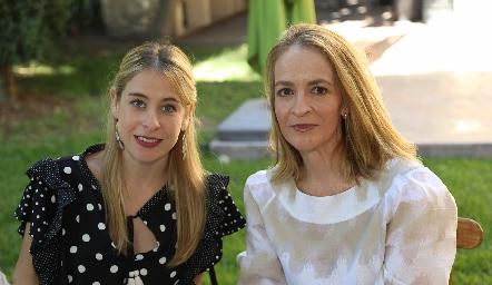 Marigel Villasana y Claudia Carpizo.