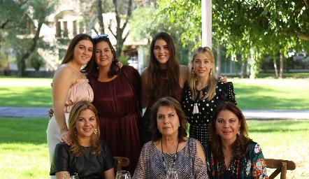 Mariana Gómez, Cynthia Sánchez, Natalila Gómez, Marigel Villasana, Leticia Sánchez, María Eugenia Plascencia y Marigel Sánchez.