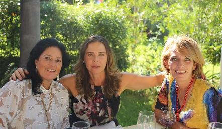 Lourdes del Valle, Lourdes Amador y Verónica Dávalos.