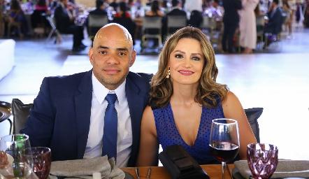 Omar Agama y Adriana del Castillo.