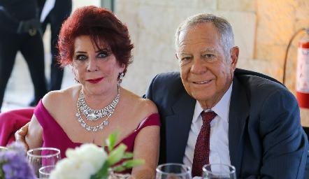 Mirna Leticia Zapata y Aurelio Montiel.