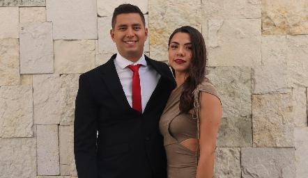 Alberto Ayala y Cynthia López.