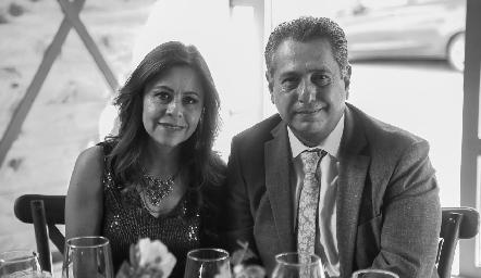 Kathy Echavarría y Víctor Zepeda.