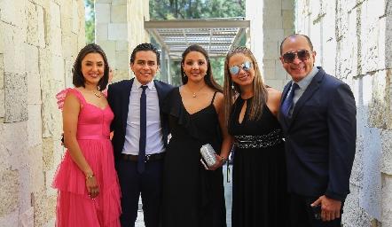 Familia Martínez Padrón: Vivi, Gabriel, Ale, Vivi y Arturo.