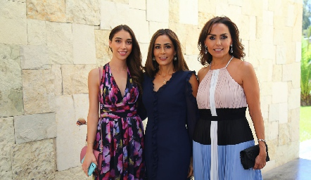 Paula Pérez, Came Stevens y Marianela Villanueva.
