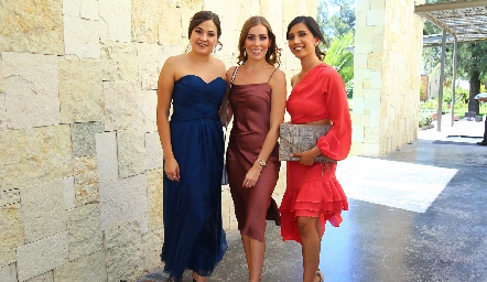Jessica Herrera, Frania Hernández y Sabi Martínez.