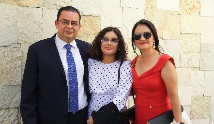 Jorge, Ximena y Tere.