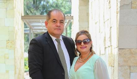 Javier Sánchez y Laura Koelliker.