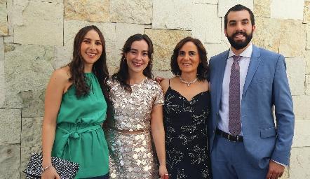 Cristina Ledezma, Nuria Ledezma, Tere Raymond y Guillermo Báez.