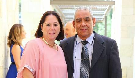 Roció y Salvador Narváez.