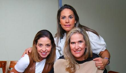 Cecilia Limón, Michelle Zarur y Claudia Quiroz.