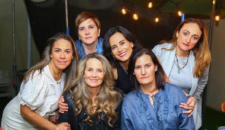 Michelle Zarur, Claudia Hinojosa, Karina Vita, Anilú Enríquez, Sandra Morelos Zaragoza y Adriana Ocaña.