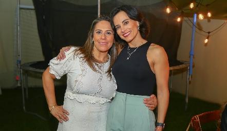 Michelle Zarur y Anilú Enríquez.
