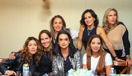 Anna Astrid Navarro, Adriana Pedroza, Michelle Zarur, Maricel Gutiérrez, Anilú Enríquez, Cecilia Limón y Claudia Quiroz.