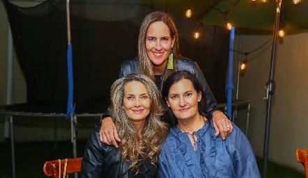 Karina Vita, Adriana Pedroza y Sandra Morelos.