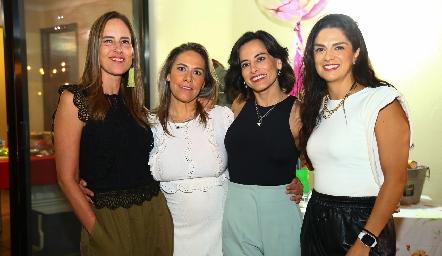 Adriana Pedroza, Michelle Zarur, Anilú Enríquez y Dani Gutiérrez.