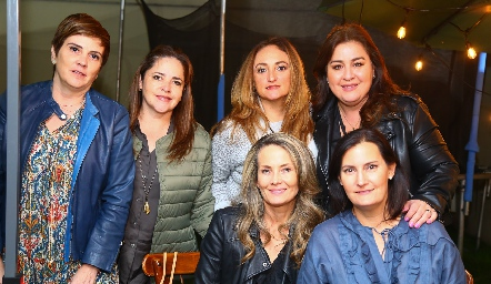 Claudia Hinojos, Gaby Carreón, Adriana Ocaña, Deyanira Cázares, Karina Vita y Sandra Morelos.