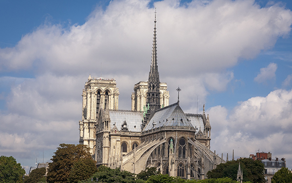 ¡Estas son algunas propuestas para reconstruir Notre Dame!