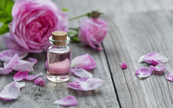 Dermatólogos recomiendan los mejores aceites naturales para que tu piel brille