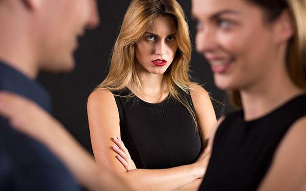 ¿Eres víctima de los celos y envidia? Esto es para ti