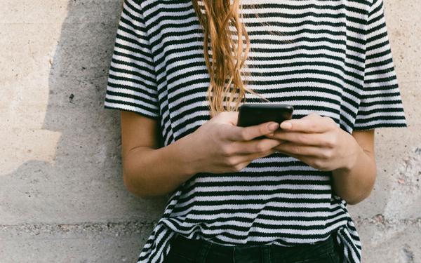 Existe una gran razón por la que deberías dejar de utilizar tu celular como despertador cada mañana