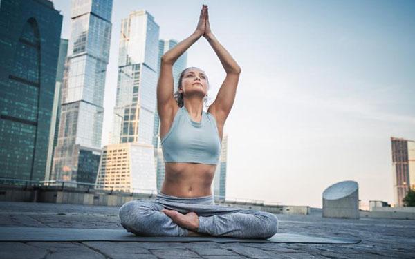 Desintoxica tu cuerpo: 5 maneras naturales de lograrlo (sin jugos detox)