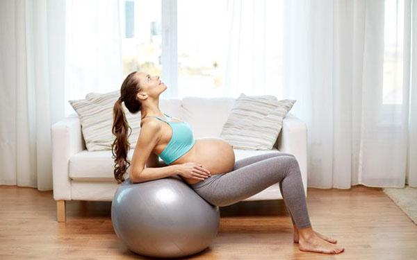 Trabajo de parto rápido y sin mucho dolor: 5 ejercicios sencillos y efectivos para el hospital