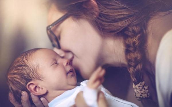 7 maravillas que sientes cuando tu hermana tiene un bebé