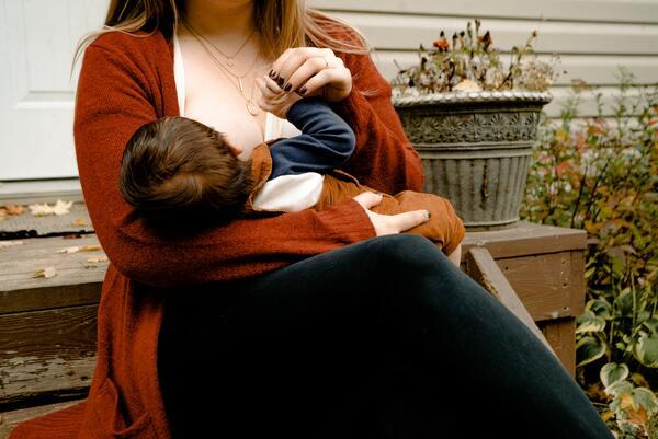 Conoce los beneficios de la lactancia materna en la belleza