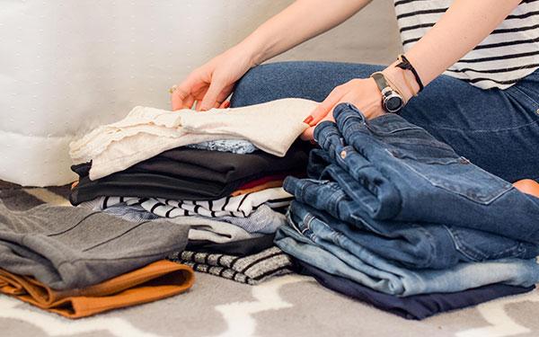 ¿Qué hacer con la ropa que ya no utilizas? Aprovecha  y organízate
